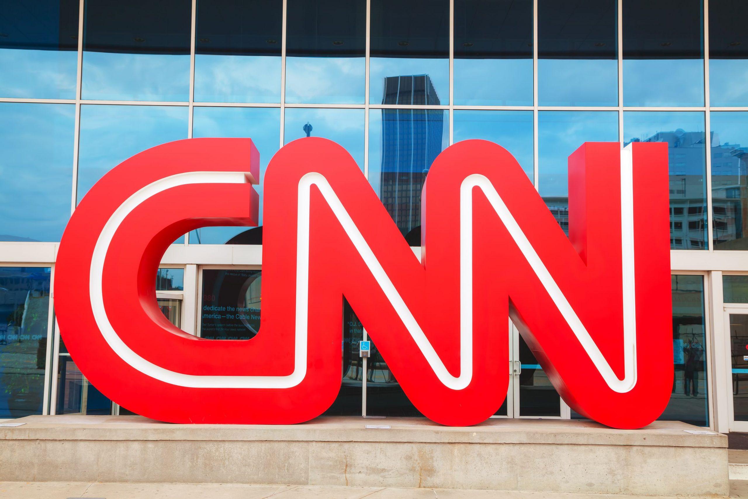Youtuber vs. CNN